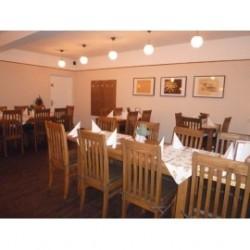 Restaurant Gastronomie 12 Tische + 50 Stühle massiv Pinie Restauranteinrichtung